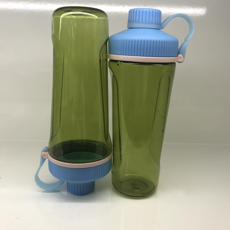 700ml plastic protein shaker bottle with blender mixer ball space bottle